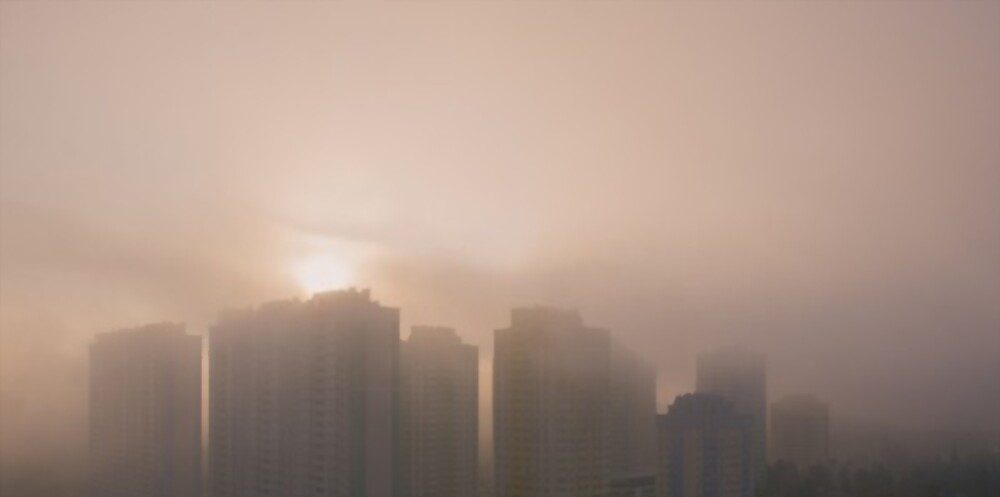 A view of smog covering the whole city and causing smog allergy.
